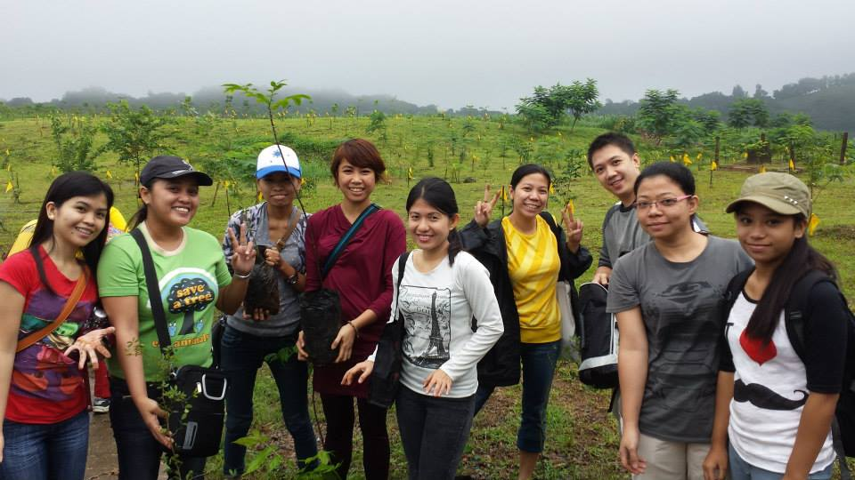 Kathy (3rd from left), together with the other tree planting volunteers